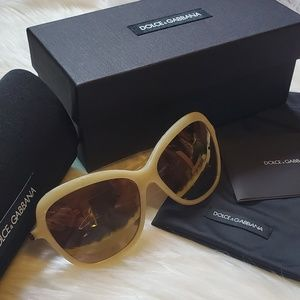 NWT Dolce & Gabbana 59mm Butterfly sunglasses
